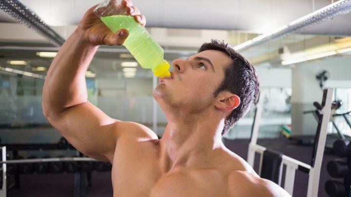 トレーニング中の栄養補給にぴったりなEAAの効果と飲み方